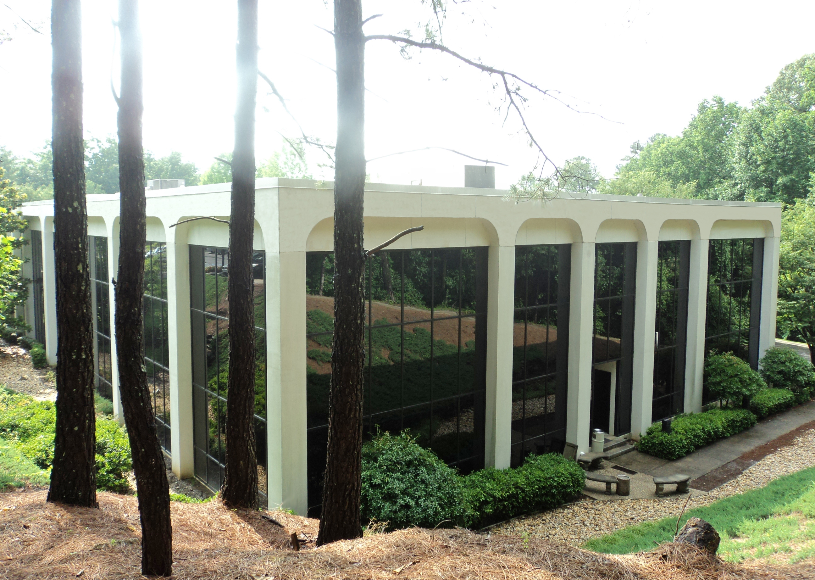 Mountaintop Church sells Vestavia office building for $2.7M