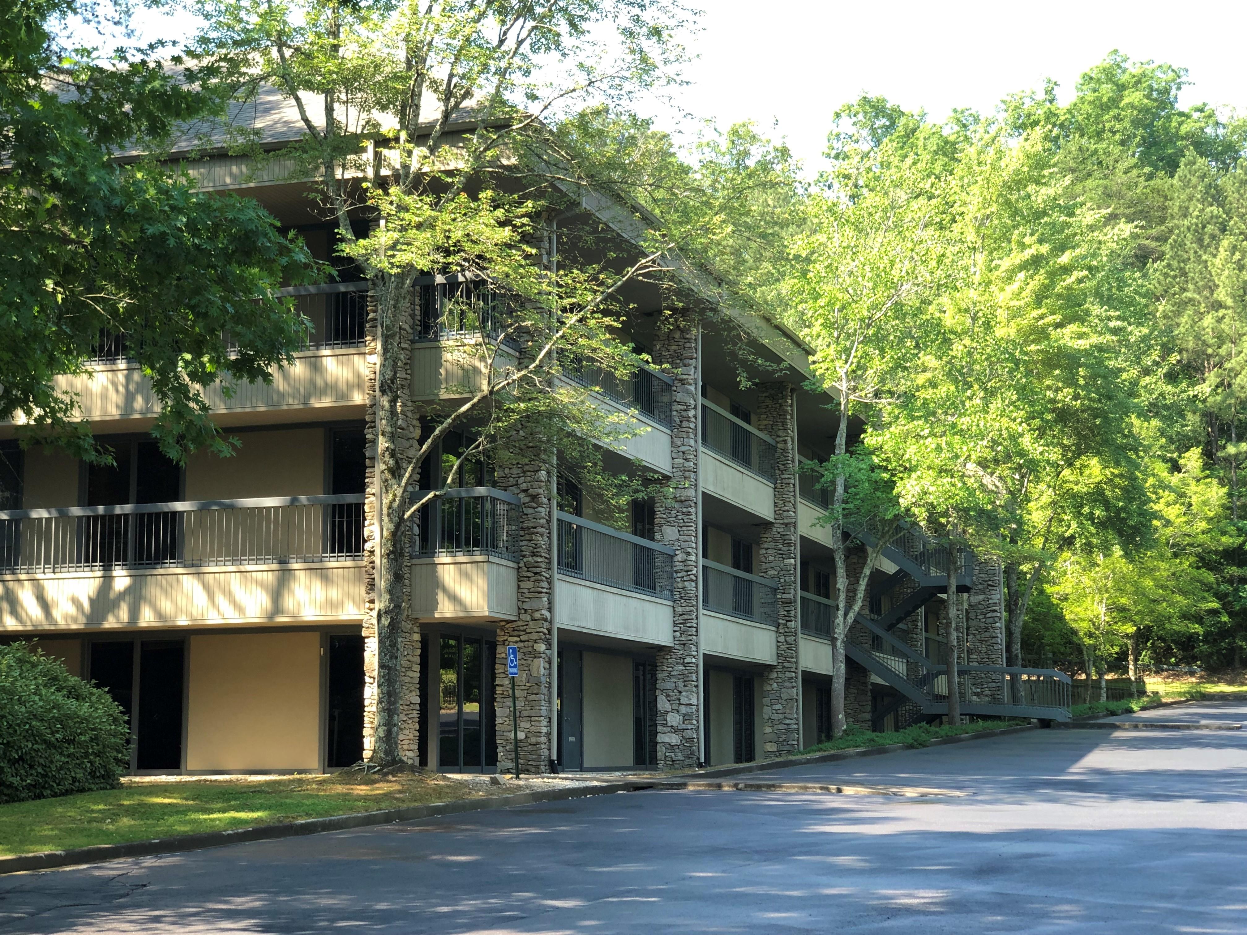 Vestavia Hills office building sells for $3.1M
